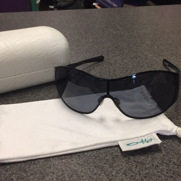 """f2826869b23 Oakley Accessories - Women s Oakley """"Breathless"""" Sunglasses"""